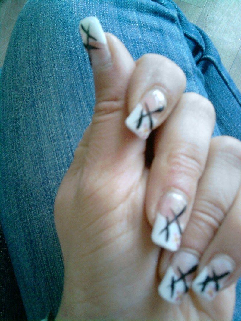 Mes ongles naturels avec dessin au gel6